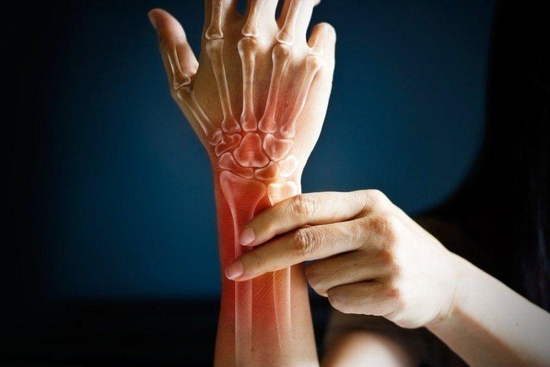 使いすぎだけが原因じゃない!? ホルモンバランスと 腱鞘炎の関係